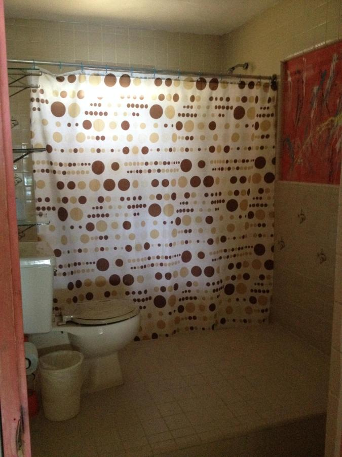 #4_bathroom.JPG