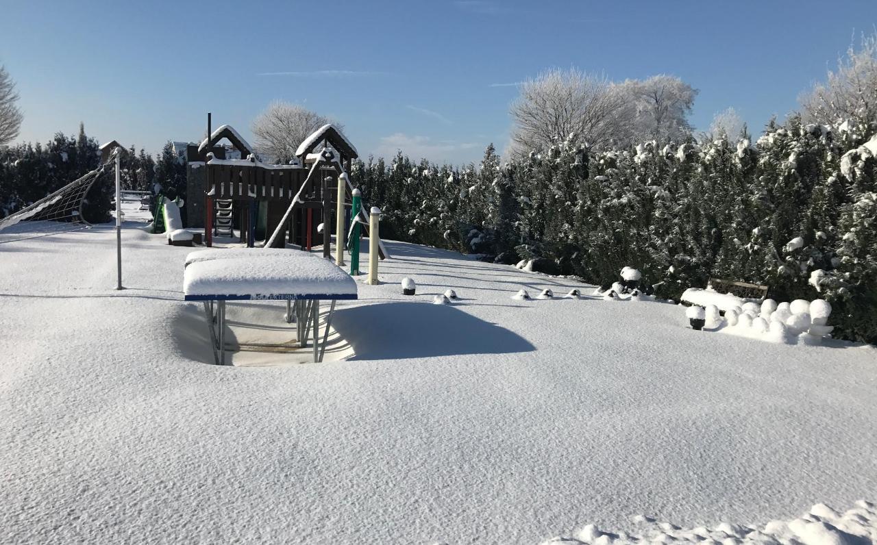Spielplatz im Winter.JPG