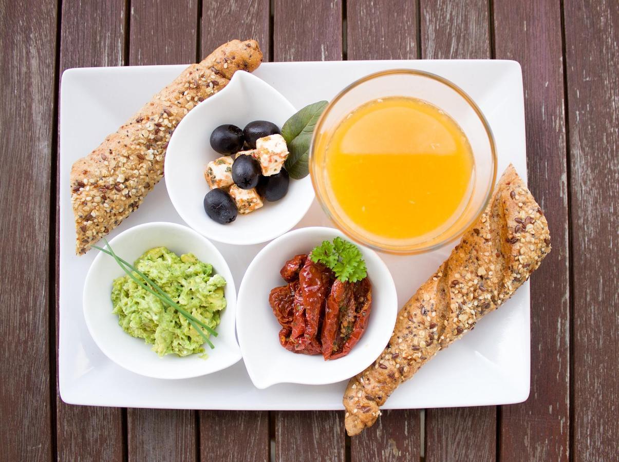 breakfast-1804436_1920.jpg