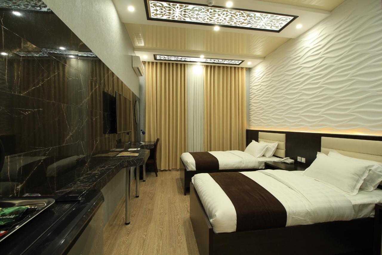 1 STANDARD SAFIR HOTEL .JPG