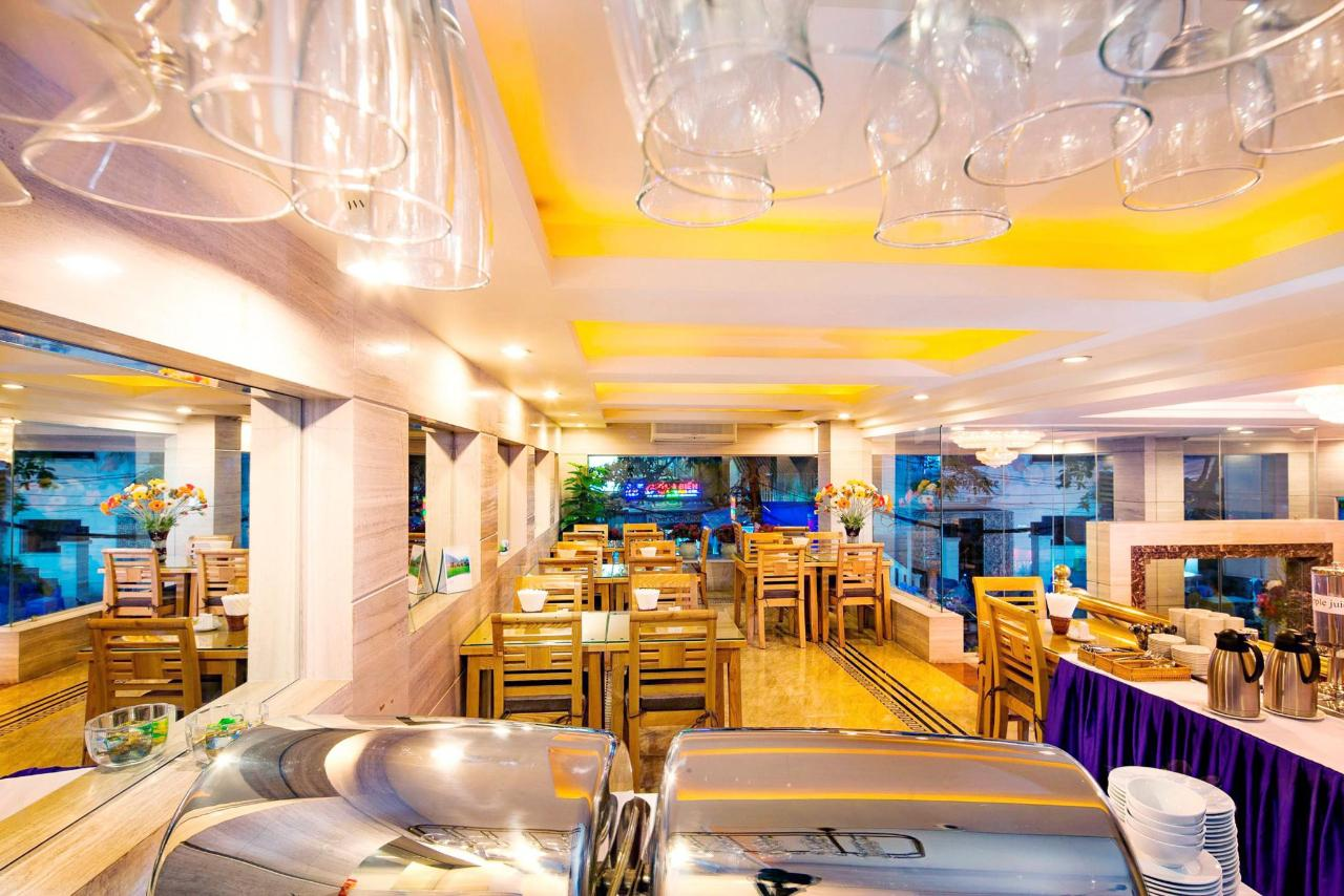 Restaurant_1.jpeg