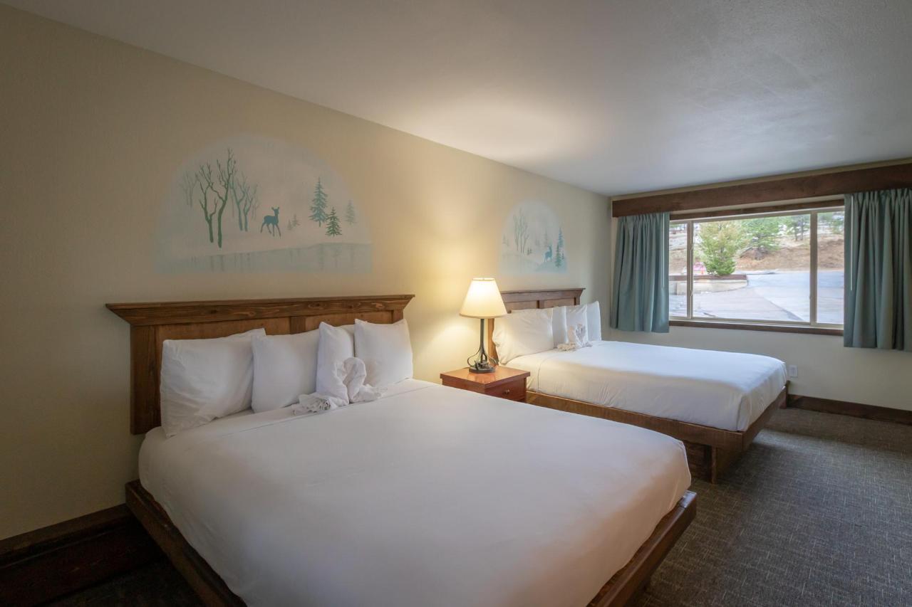 Two Queen River Room.jpg