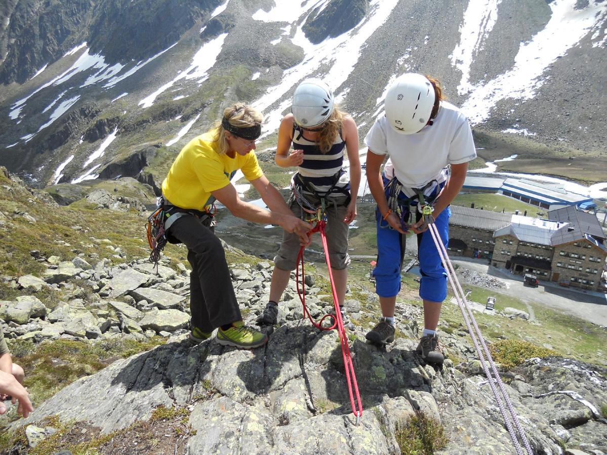 TVBStubaiTirol_SAAC_ClimbingCamp_2012 (1).jpg