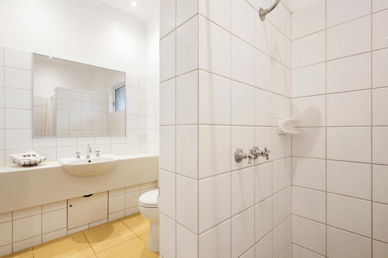 NQ1 & NQT_Bathroom.jpg