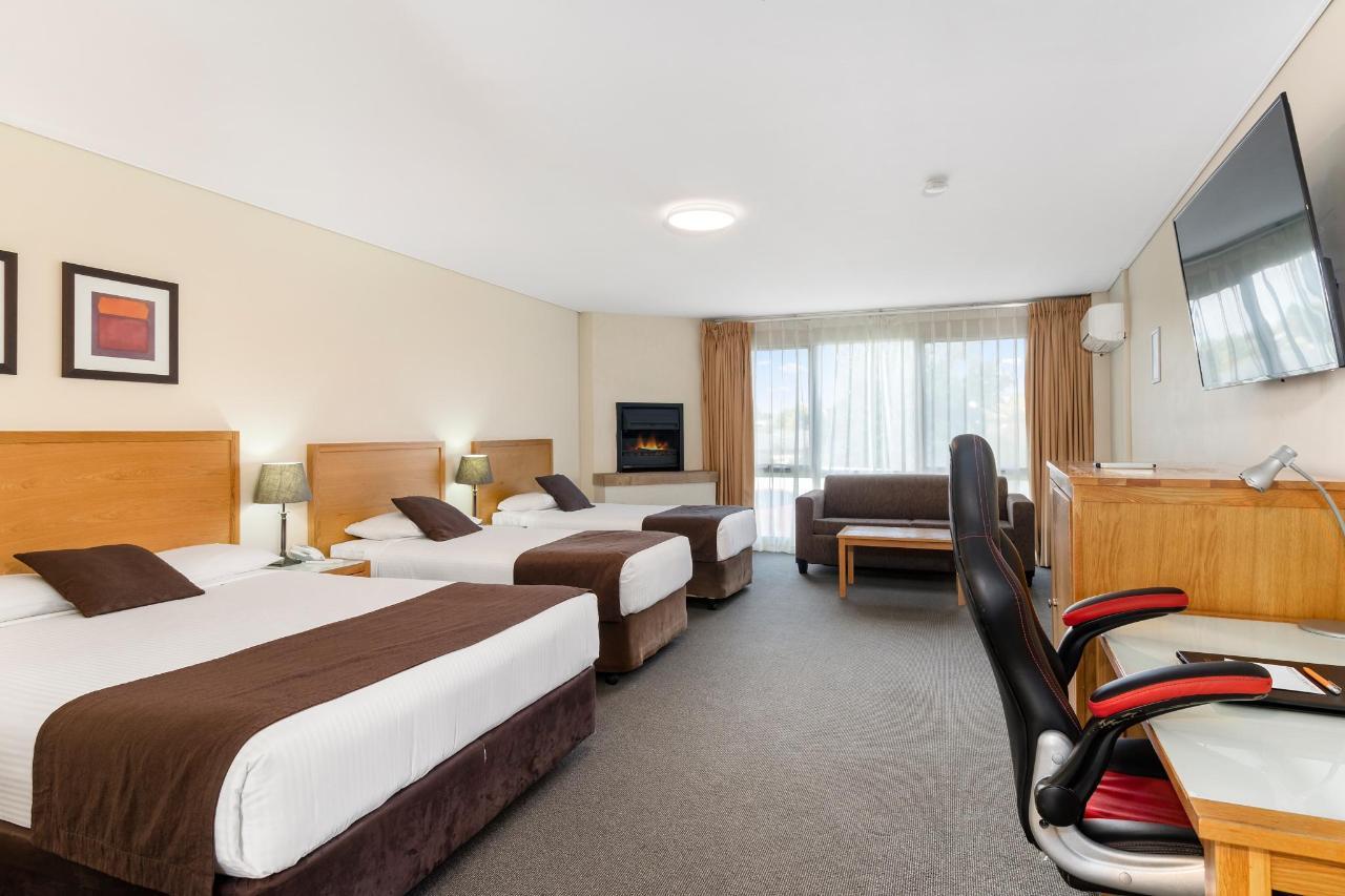 029_FQ2S Open2view_ID567181-AU762_Quality_Hotel_Bathurst.jpg