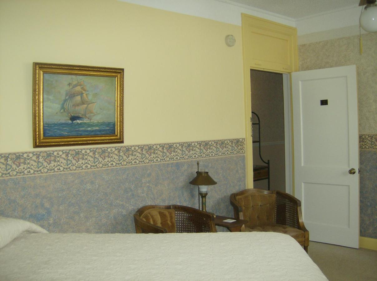 First Floor Lakeside Suite 3 - Copy.JPG