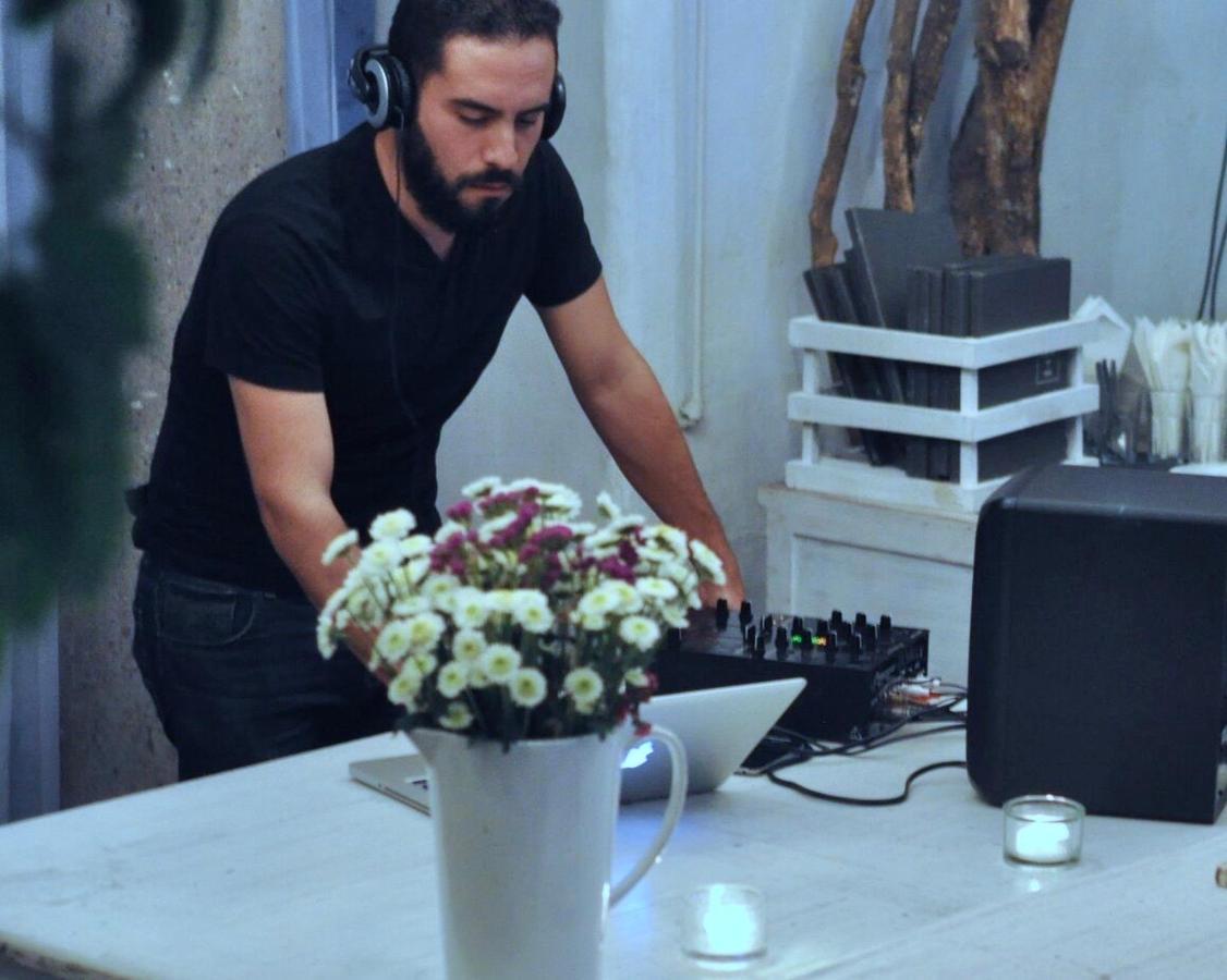 DJ nights on Fridays and Saturdays in HOUSE. Las Casas B+B Boutique Hotel, Spa & Restaurante.
