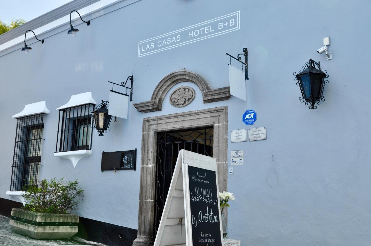 A pasos del emblematico Palacio de Cortés. Las Casas B+B Boutique Hotel, Spa  & Restaurante.