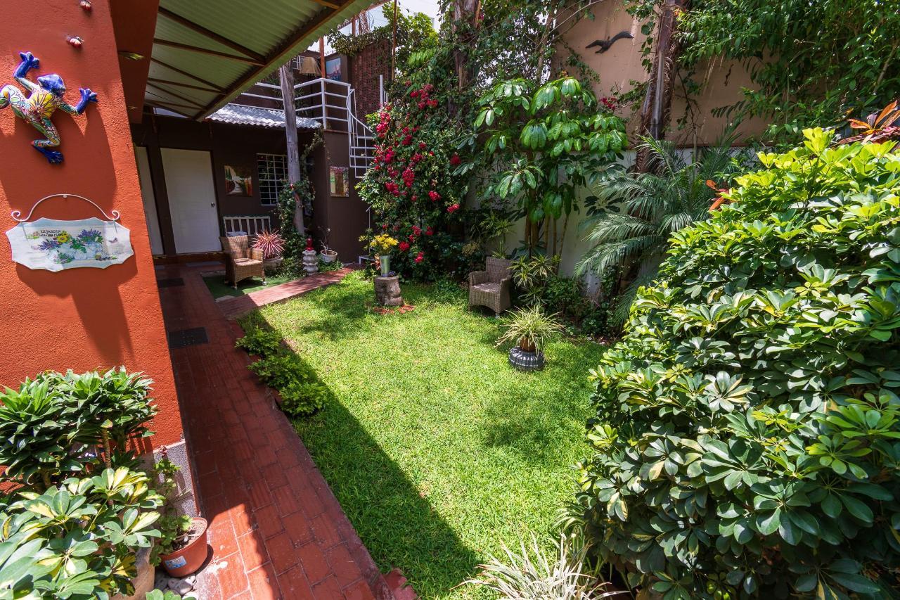 hotel garden in lima, miraflores.jpg