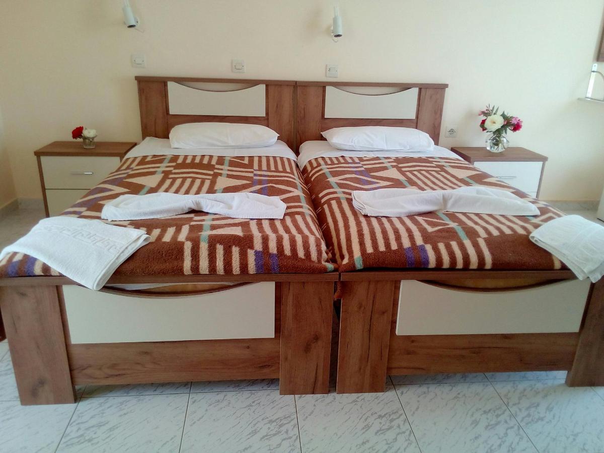 Standard room 4.jpg
