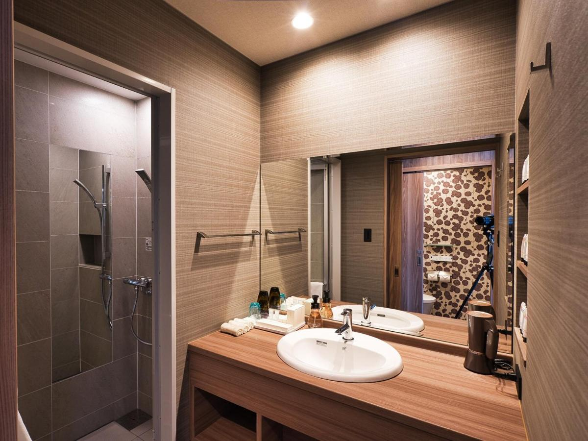 st_bathroom_0300_J.jpg