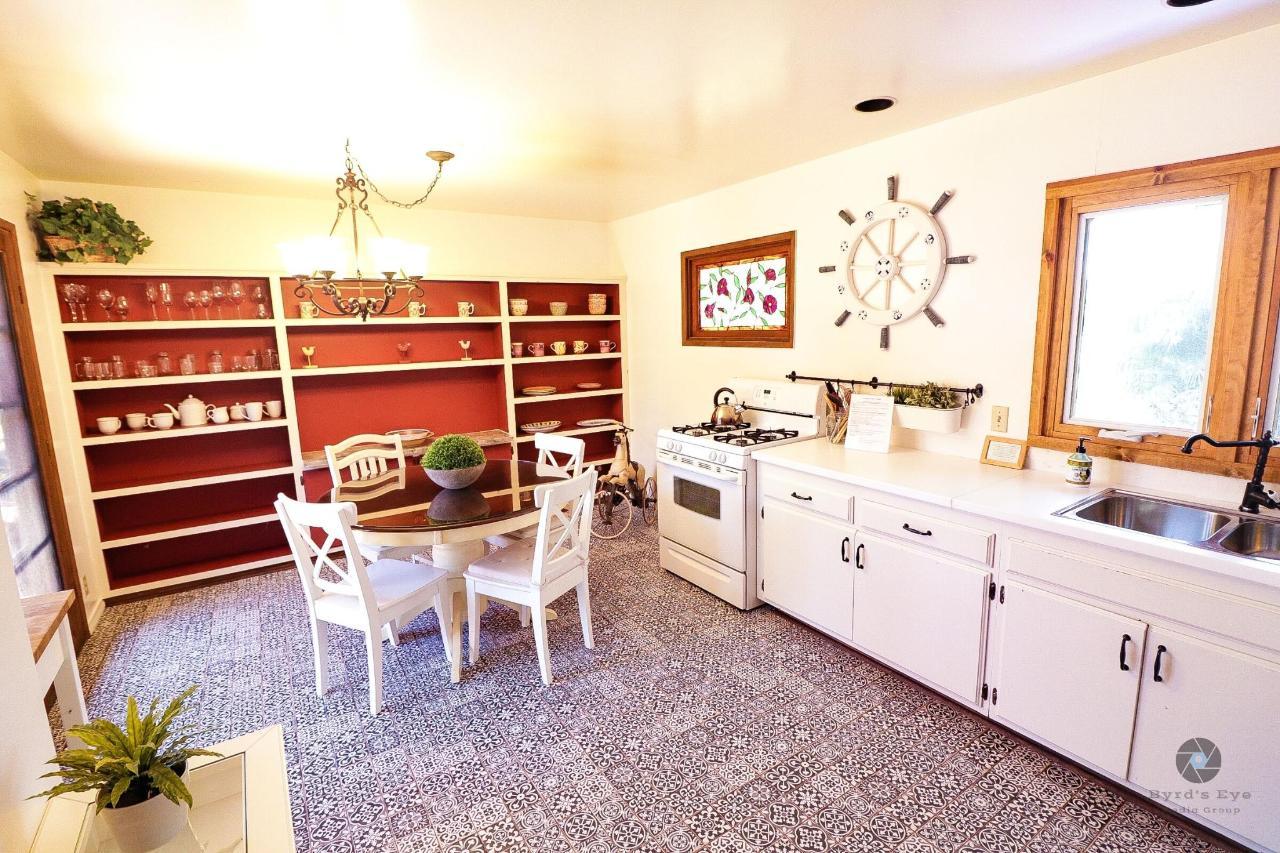 La Jolla Haven Kitchen.jpg