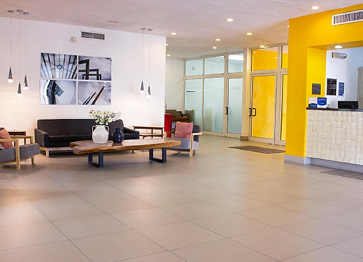 w-lobby-4.jpg