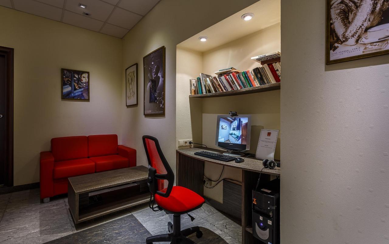 Холл гостевой компьютер.jpg