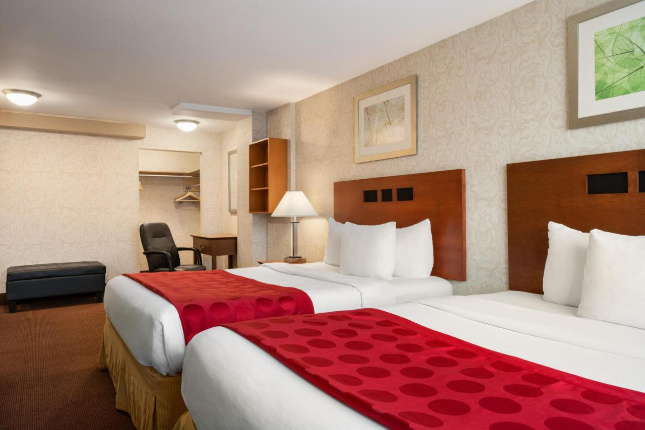 Ramada Montreal - 2 Queen Beds Suite - 1284160.jpg