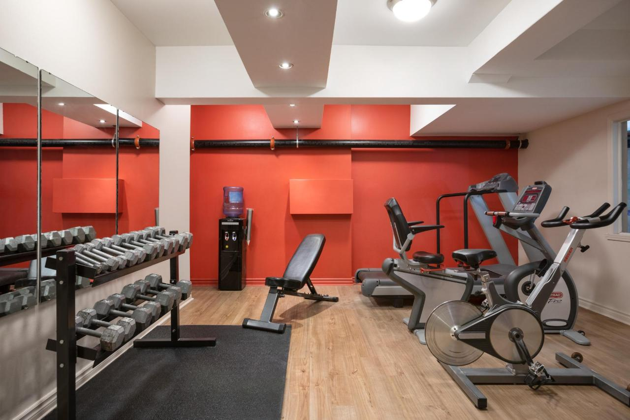 Ramada Montreal - Gym-Fitness Center - 1284195.jpg