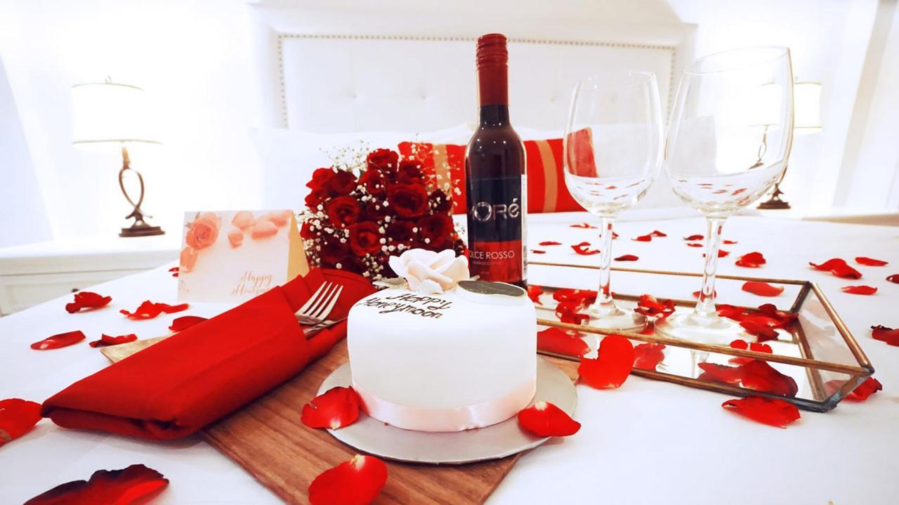Premium Honeymoon Setup