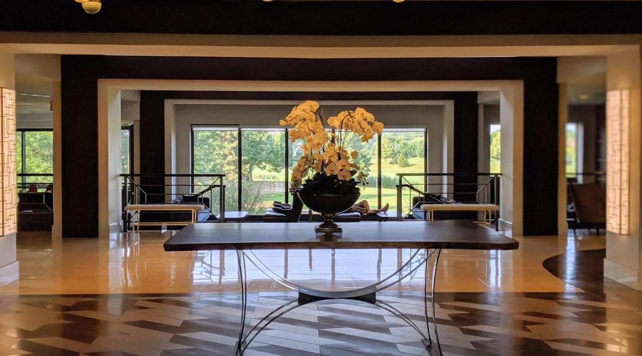 Lobby with flowers.jpg