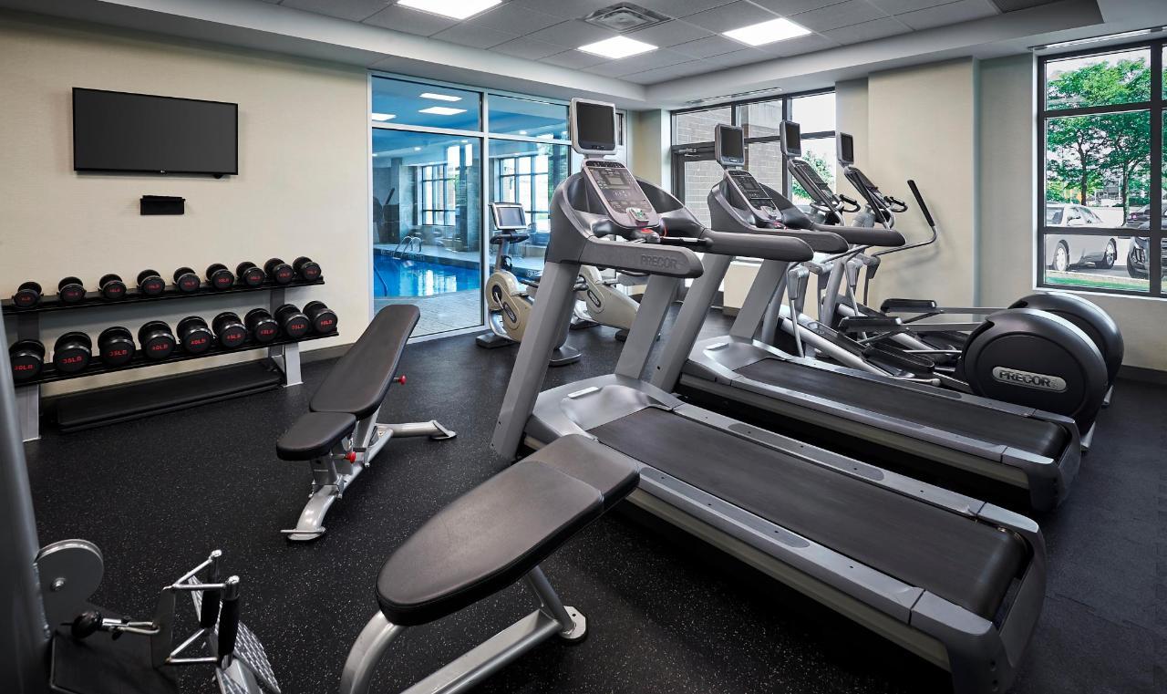 HolidayInn_Oakville_Fitness2.jpg