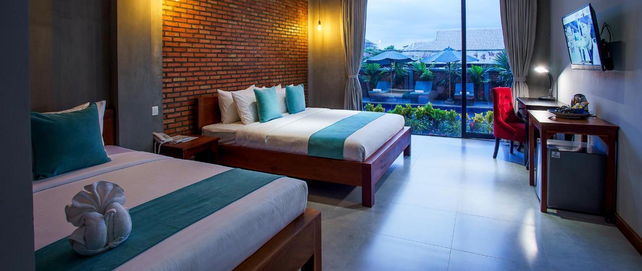 Deluxe Twin Room Balcony.JPG