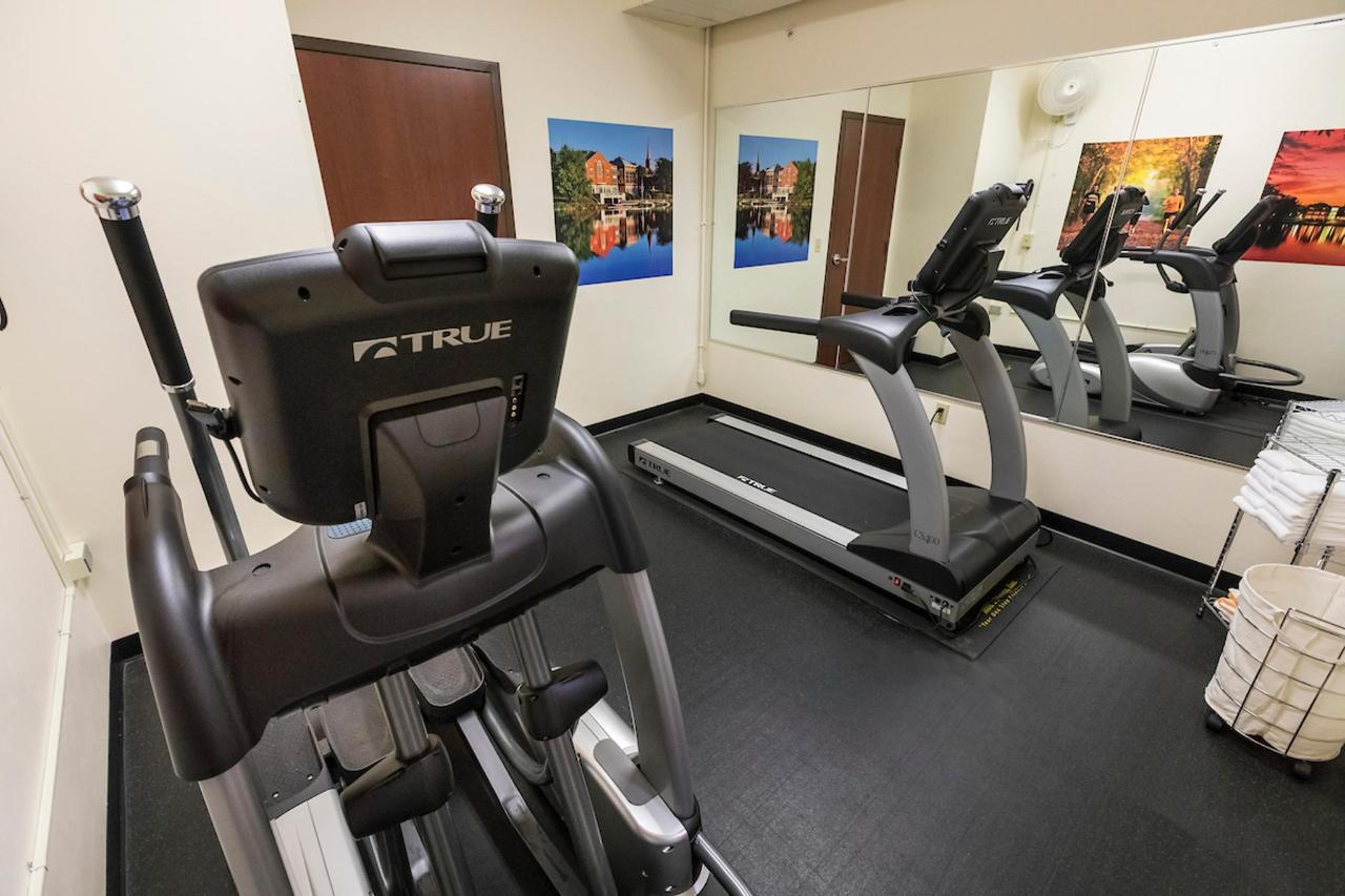 Kress Inn Fitness Room.JPG
