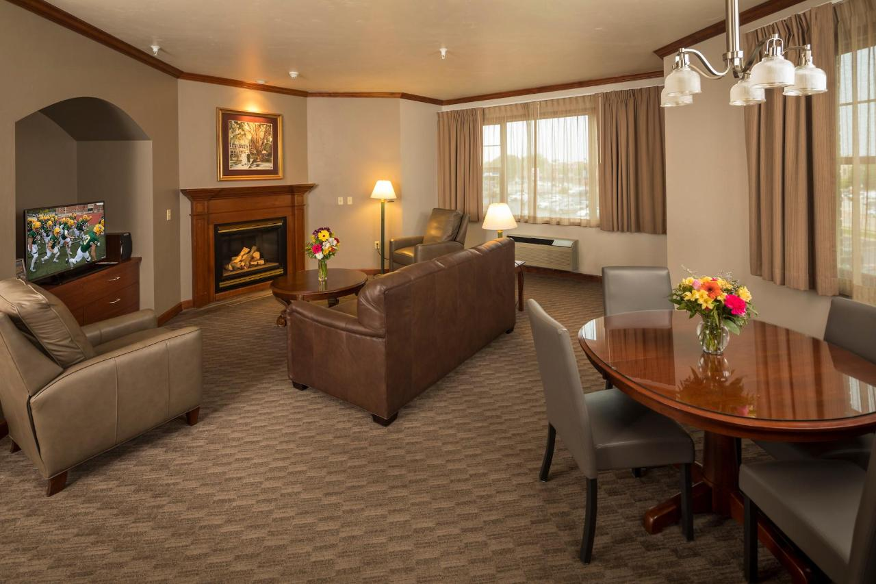 Kress Inn Presidential Suite Living Room.JPG