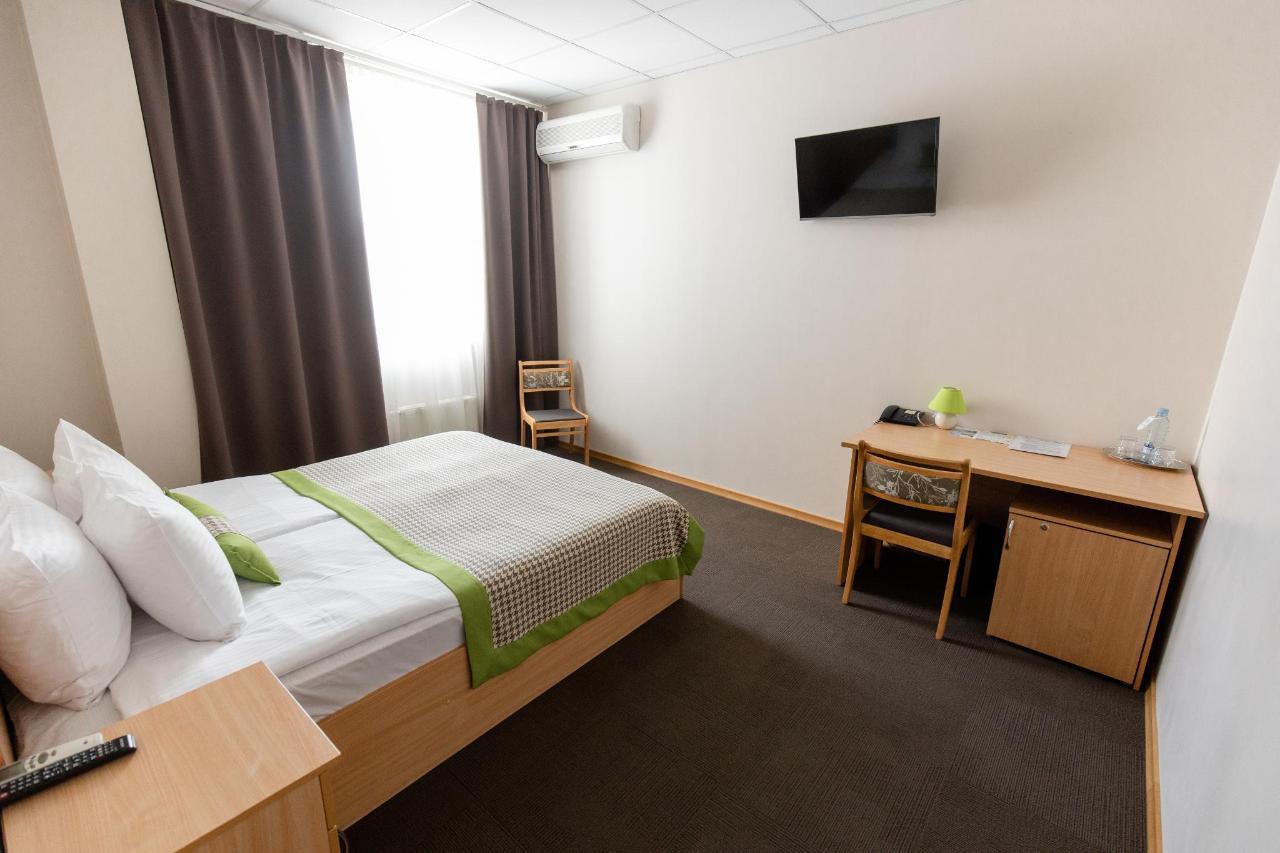 Hotel_Valmiera_Naktsmajas_Double_room 1.jpg