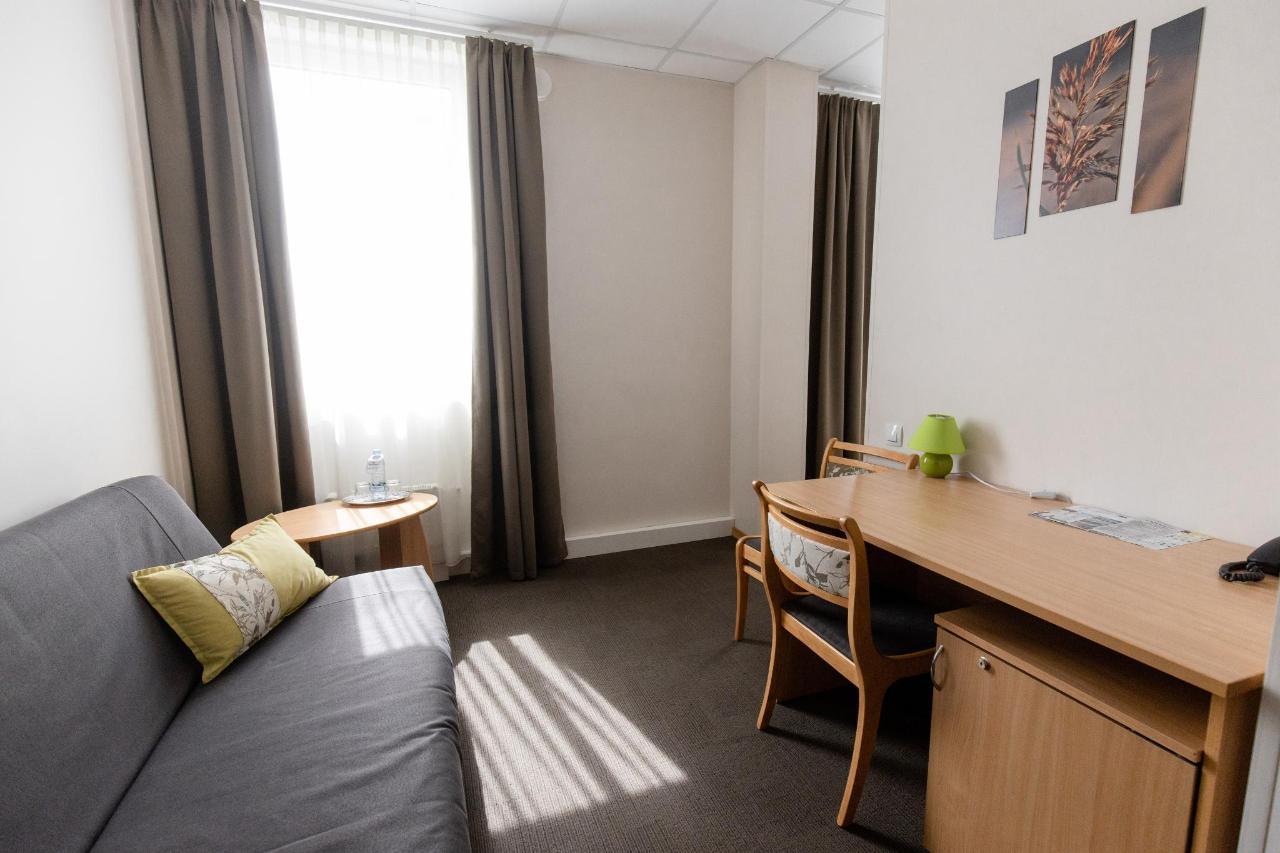 Hotel_Valmiera_Naktsmajas_Junior_suite_room 01.jpg