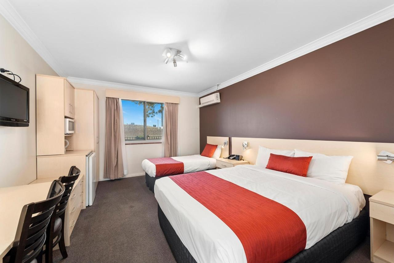 011_NQT1 Open2view_ID567166-Gosport_St_Moree.jpg