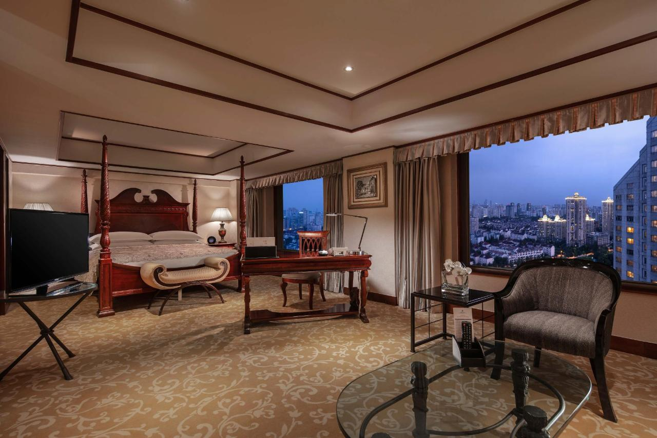 Pacific Suite Bedroom_at_Hongqiao Jin Jiang Hotel_2.jpg