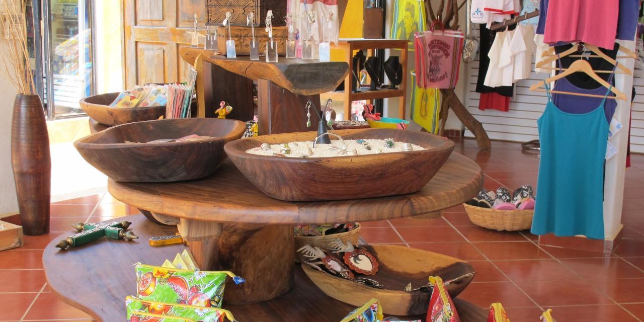 Esperanzas Shop 1.jpg