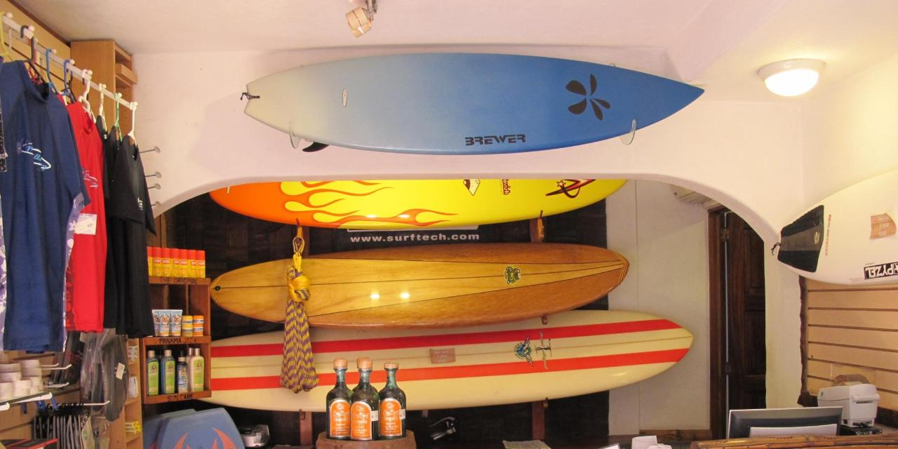 Manzanillo Bay Inn Surf Shop.jpg