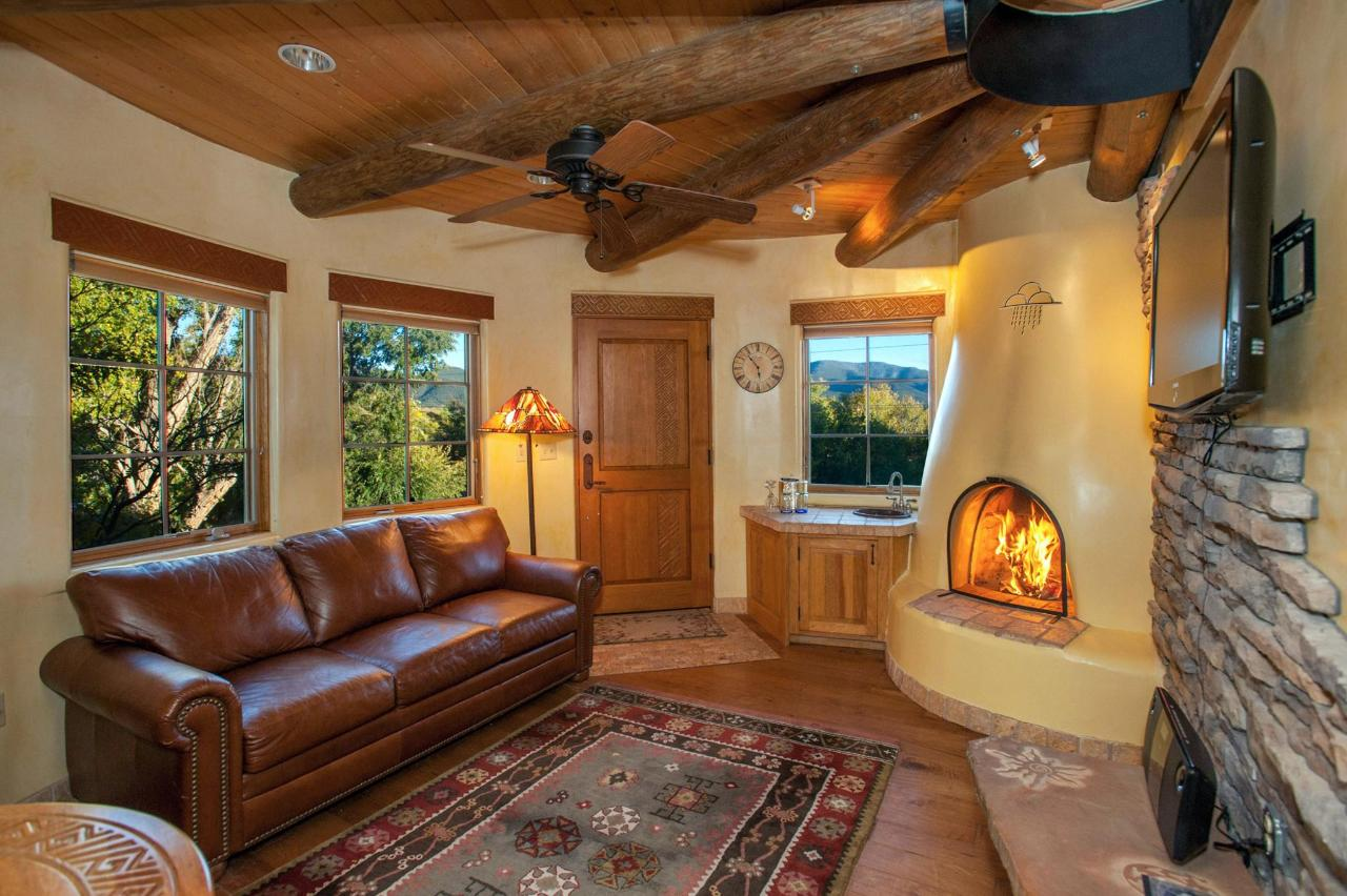 Anasazi Penthouse Deluxe Suite Living Room with Sofa Bed