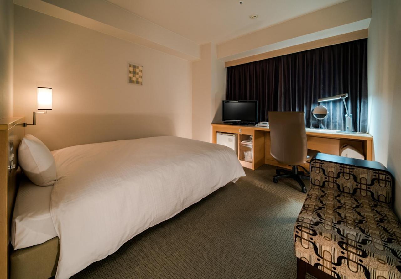 Standard Queen Room.jpg