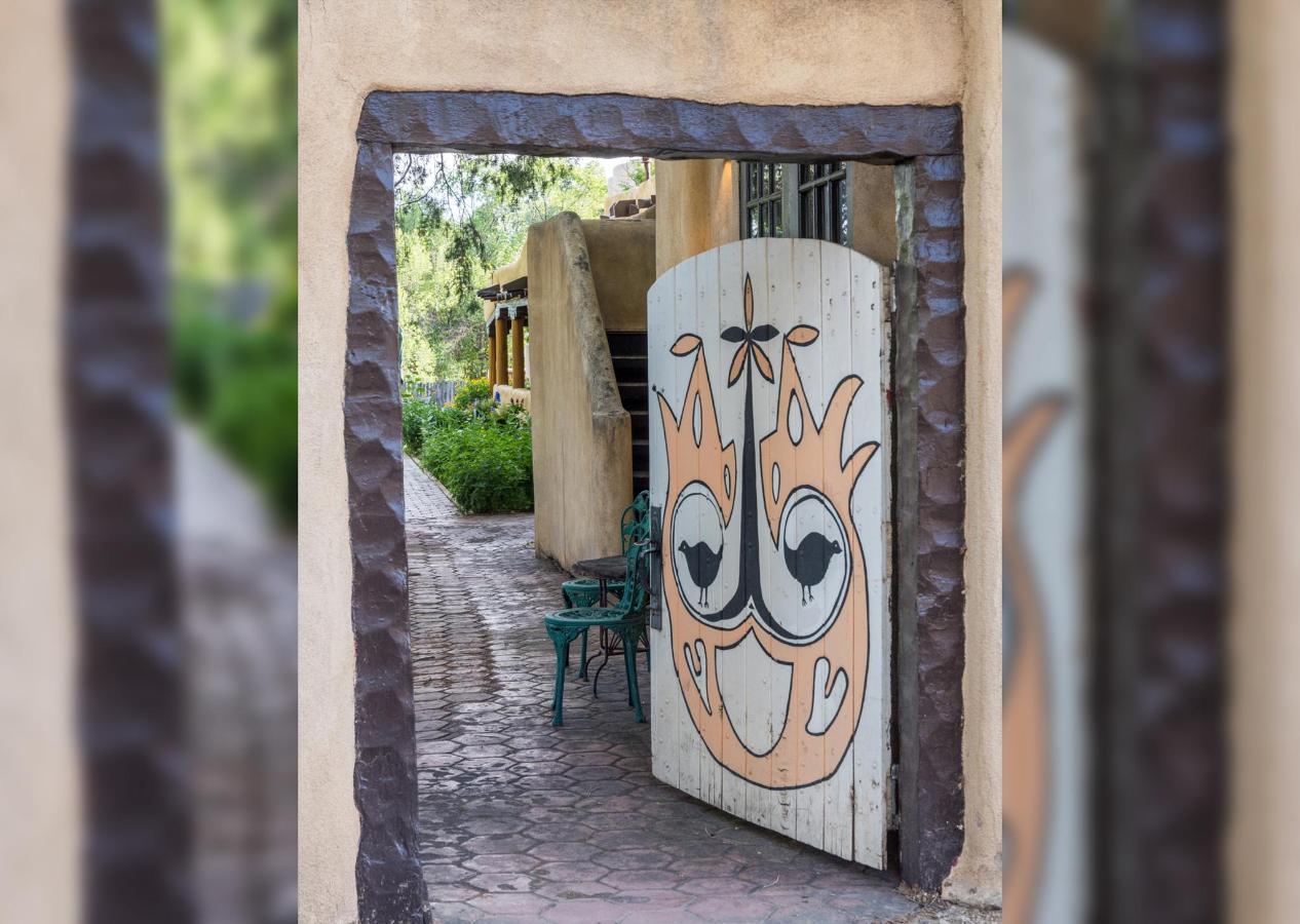 Side Entrance to the Inn on La Loma Plaza