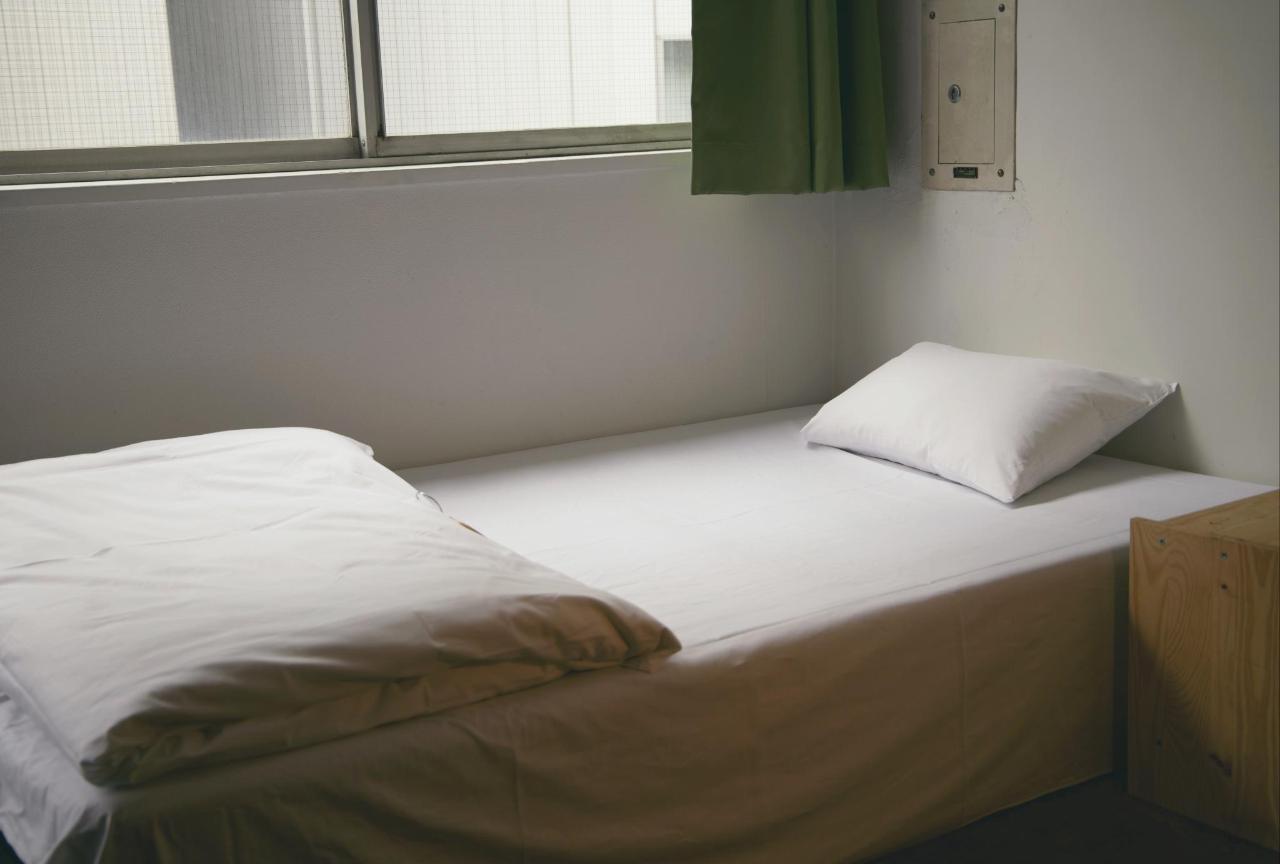 小型双人床