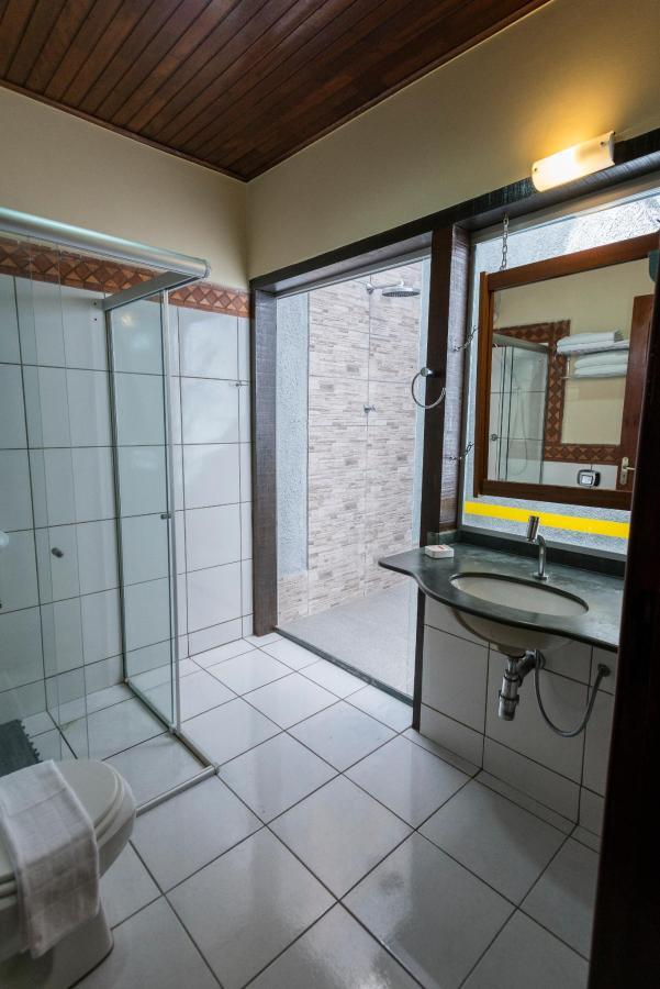 banheiro UH 17-22- 2016.jpg