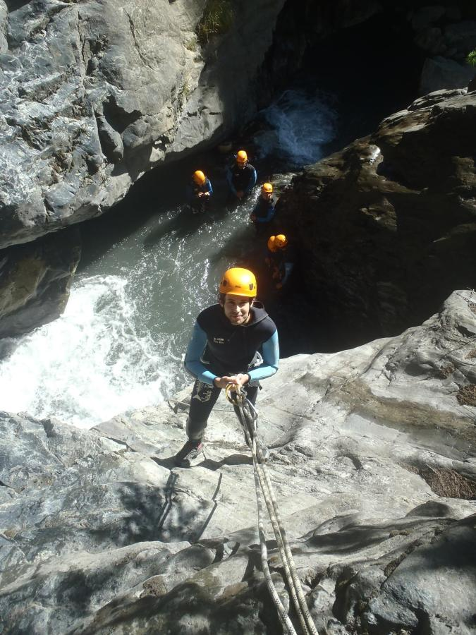 canyon descent rappel.JPG