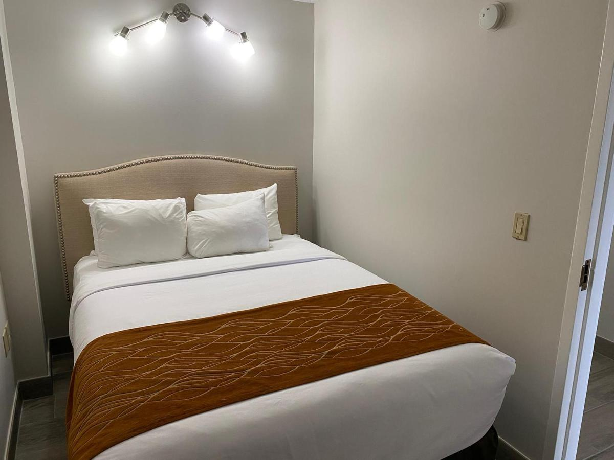 VIP Secondary Bedroom with Queen Bed.jpg