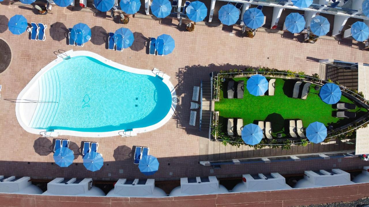 Pool sun terrace deck Igramar Morrojable