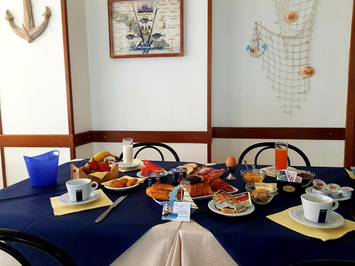 colazione al tavolo.jpg