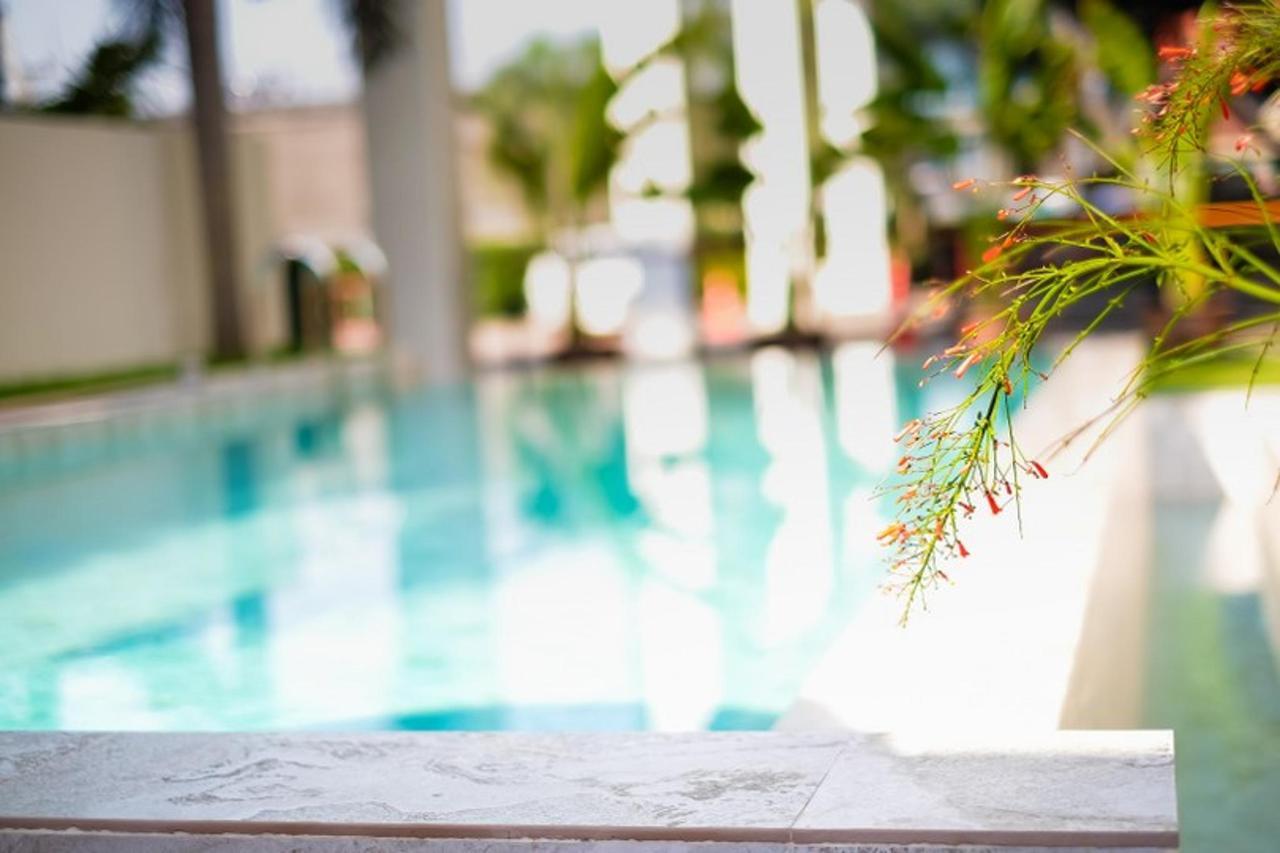 Pool4_810x540.jpg
